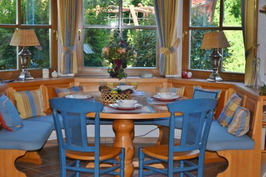 dining-room-1476060_1280