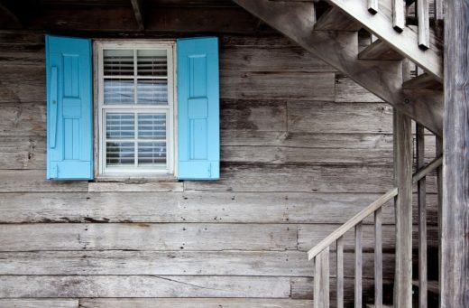 shutters-669296_1280
