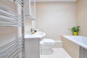 bathroom-1336164_1280