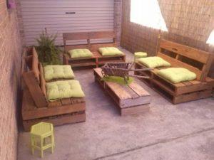 Zahradní paletový nábytek