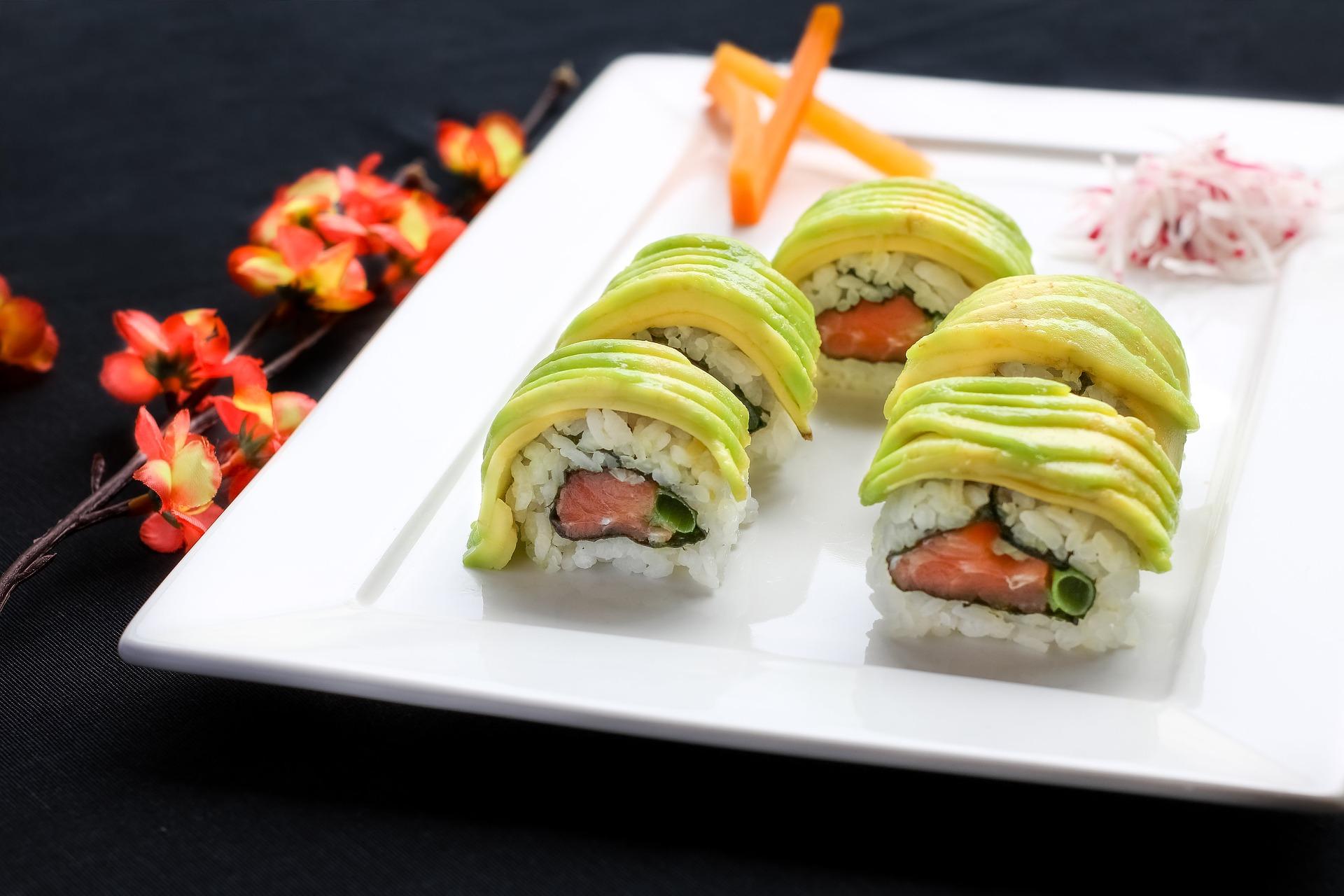 sushi-2370265_1920